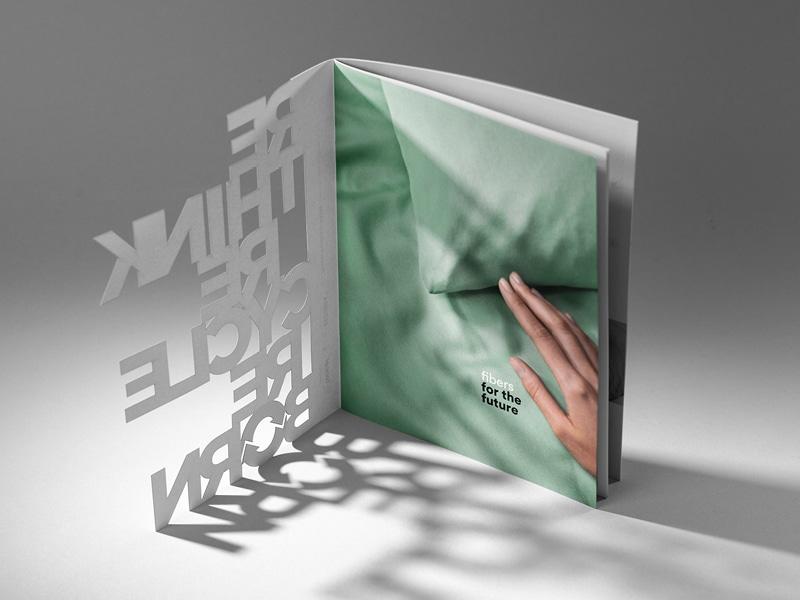 "Aufgeklappter Katalog ""fibers for the future"""