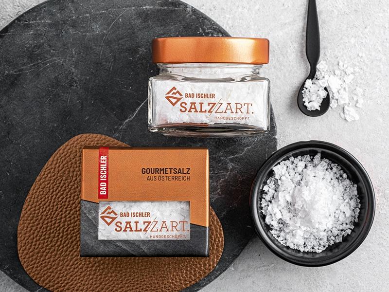BAD ISCHLER Salzzart im Glas, in der Verpackung und in einer Schüssel